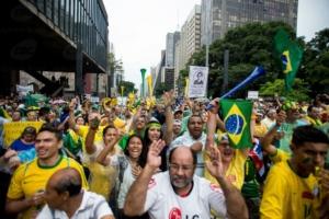Protestos_de_15_de_março_de_2015_em_São_Paulo-2